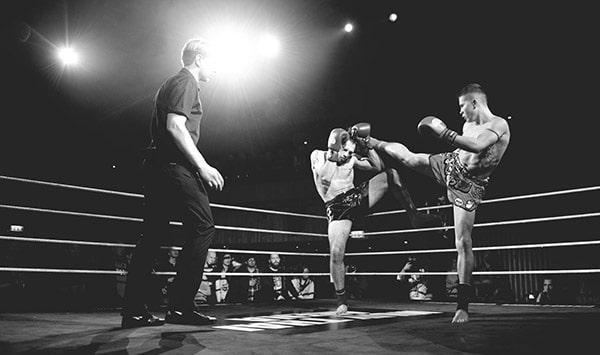 ansluta Muay Thai boxning
